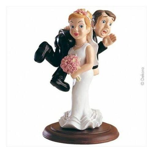 Esküvői torta dísz- Viszik a vőlegényt