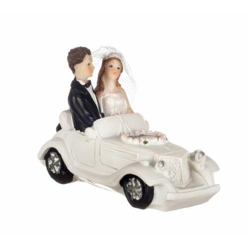 Veterán autós ifjú pár