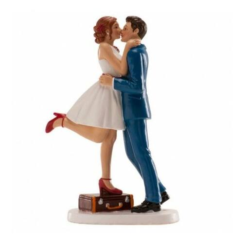 Esküvői tortadísz nászutas pár