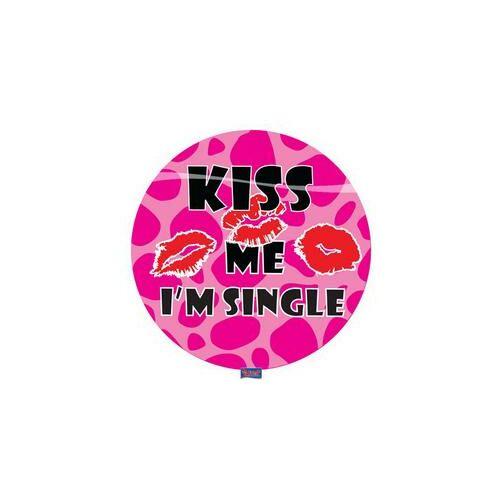 Kitűző, Kiss Me I