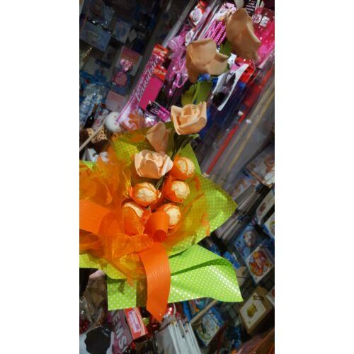Bonboncsokor Barack színű rózsákkal ( élethű rózsákkal)