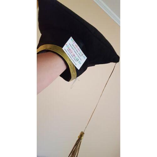 Diplomaosztó kalap, Ballagási arany szegéllyel, arany színű bojttal