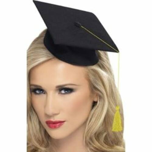 Diplomaosztásra, Ballagásra csinos minikalap arany színű bojttal