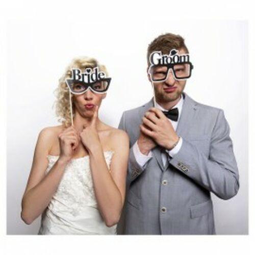 Menyasszony és Vőlegény Feliratú Szemüveg Pálcán Fotózáshoz - 2 db-os